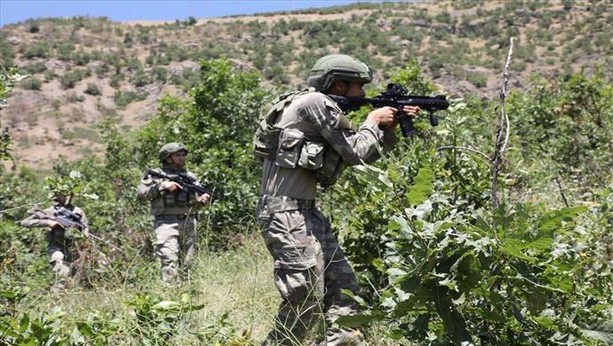 Irak Kuzeyinde Teröristlerin Kullandığı Mağara ve Mühimmat İmha Edildi